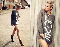 La Leonella - Love Sweater, Paco Gil Leather Boots, Le Chat Vivi Necklace - LOVE is all we need ...