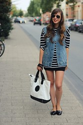 Kim S. - Bdg Denim Vest, Choies Striped Top, New Look Patent Loafers, Kipling Shopping/Beach Tote, Ray Ban Aviators - Kipling Cool