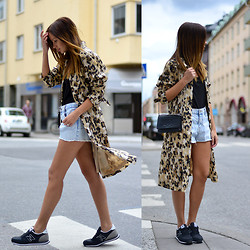 Friend in Fashion * - Blumarine Leopard Trench Coat - BACK TO BASICS