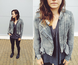 Veronika B - H&M Leather Jacket, H&M Tee, Vintage, Second Hand, H&M Necklace - I like rain, actually.