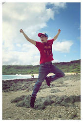 Sam Huang - Net Red T Shirt, Blue Jeans - I'm flying!