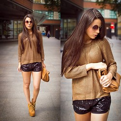 Yana P - Zara Sweater, Billabong Shorts, Jeffrey Campbell Lita, Topshop Sunnies, Zara Bag - Golden knits
