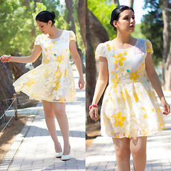 Emel Acar - Oasap Dress - Flower Power