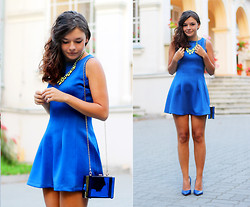 Kasia In blue jeans - Woakao Blue Dress, Woakao Transparent Bag - Blue dress, transparent bag