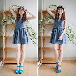 La Yeon Kim - Newyork Stripe Snapback, Star Pattern Blue Dress, Skyblue Flatformheel - Stripe and Blue, Childish smile!