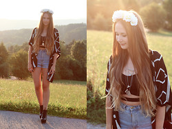 Alina Reinisch - Diy, Forever 21 Cardi, Forever 21 Bralet, American Apparel Shorts - WE PRETEND TO FORGET