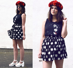 Rachael Dobbins ♡ - Hearts & Bows Daisy Print Skater Skirt, Aliexpress Chunky Heels, Roses & Clementines Rose Crown - Flower Child