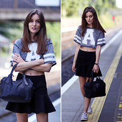 Anouska Proetta Brandon - Bershka Crop Top, Alexander Mcqueen Bag, Choies Skirt, Daniel Wellington Watch - A team.