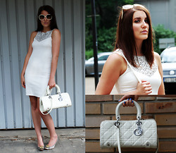Panda Mone - Zara Dress With Fancy Collar, Chloé Heels With Funny Tibs, Chloé Oversized Sunglasses, Christian Dior Bag - Three Colours. White.