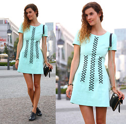 Mia M - Stylestalker Dress, Botkier Bag, Goertz Flats - From Berlin to NYC