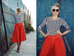La Leonella - Conleys Black Shirt, Zara Silver Shoes, Asos Pantskirt - In love // The red Pantskirt