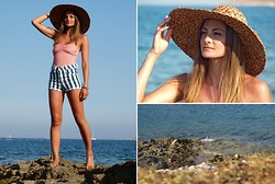 Katarzyna Tarach - Pull & Bear Body, H&M Shorts, Second Hand Hat - Chequered stripes.