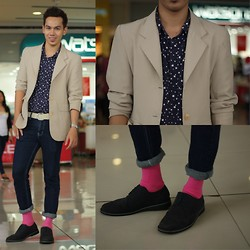 Earth Sagun - Neutral Suit, Button Down, F&H Skinny Jeans, Bench Socks, Milano Shoes Oxford - Chasing STARS