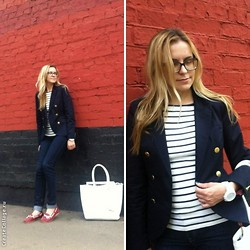 Natalia Yancheva - Zara Jeans, Lindex Jacket, Swatch Watch, Zara Sailor's Striped Top, Lindex Bag - The red wall