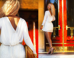 Elin Hansson - Bikbok White Back Top, Monki White Lace Top, H&M Gold Bag, Leopard Heels - ♡ Royal Dramatic Theatre ♡