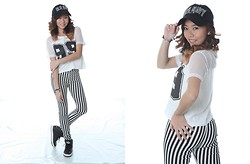 Aqui A. 秋 - Old Navy Cap, Kirin Crop Top, Jeggings, Adidas Hard Court Shoes - Pitch Chick
