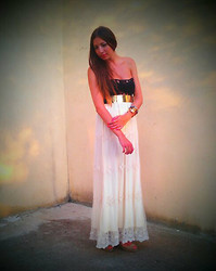 D De - H&M Belt, Pull & Bear Long Skirt, Christian Louboutin Open Toe, Sal Y Limon Bangle - The wall