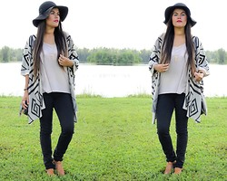 Sue Figueroa - Oasap Geometric Batwing Cardigan, Chicnova Buckle Sandals - At the Lakeside