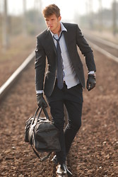Reider Robert - Cerrutti Blazer, Hugo Boss, Boss Orange Bag - Wake me up when September ends