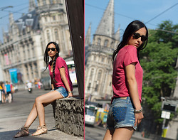 WOWS . -  - VISITING GHENT: PINK and DENIM STUDDED SHORTS
