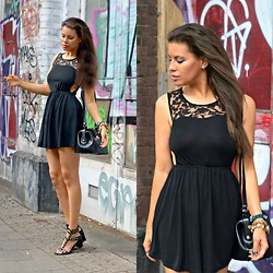 Tamara Chloe - Zara Dress, H&M Sandals, Supertrash Bag - Cut Out
