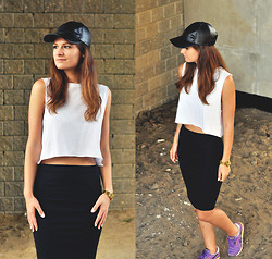 Aurelia K. - Watch   Parfois, Cap   Reserved, Stradivarius Skirt  , Reebok Sneakers   - Kat dahlia - clocks