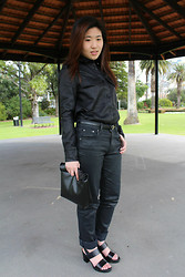 Marie Z - Owa Tabitha Leather Shirt, Levi's® Black Jeans, Stories Block Heel Sandals, Owa Black Picnic Clutch - Black Beauty