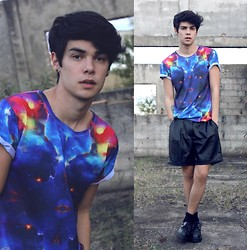 Vini Uehara - Ahaze T Shirt, Choies Leather Shorts - Meet me in the stars