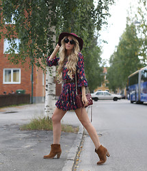 Anna Wiklund - It Shoes Boho Boots, Floral Dress, Stay Simple Heart Bracelet - THIS IS IT