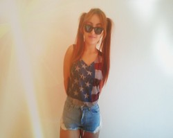 Maria Pasiali - Pull & Bear New York City Top, Pull & Bear Denim Shorts, Ray Ban Sunglasses - New York City Girl