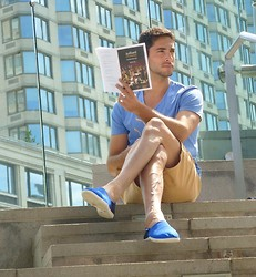Elad Y. - Old Navy Tan Shorts, Polo Blue Canvas Shoes, Simple T - Sophisticated Fun