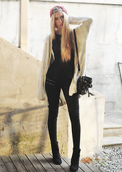 Martine Fimland - Bik Bok Knitted Jacket, Bik Bok Top, Claire's Alicante Bag, Obey Cap, New Yorker Boots - Desecration smile