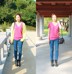 La Yeon Kim - Pink T, Dahong Neon Yellow Cardigan, Vuoli Black Shoulder Bag, Blue Jeans, Black Boots - Too bright Autumn