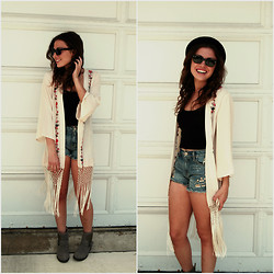Chloe & Amy - Ray Ban Sunglasses, Urban Outfitters Kimono, Bp. Tank Top, Free People Denim Mid Rise Shorts, Topshop Bowler Hat, Steve Madden Booties - Music Festival Style