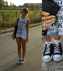 Marica Lioniello - Converse Black And White, Alcott Black Bag, Accessorize Ring, H&M White Top - ♡ Welcome september ♡