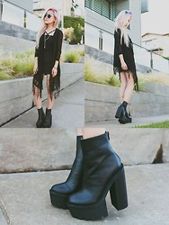 Eugénie Grey - 2020ave Netted Fringe Kimono, Cktl Plain Jane Dress, Jeffrey Campbell Mulder Boot - Fend for yourself