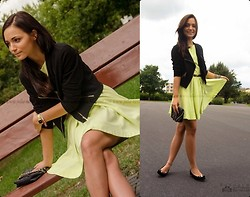 Julia Klabuhn -  - Lime dress