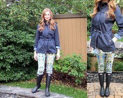 Taylor Doucette - Mia Melon Navy Raincoat, Vero Moda Printed Denim, Hunter Rain Boots - Sunshine and Rain- The Icarus Account
