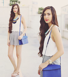María Rubio - Zara T Shirt, Stradivarius Necklace, Lefties Shorts, Zara Bag, Oysho Sandals - Klein touch