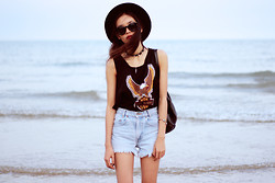 Vu Thien - Thrift Store Tee, Levi's® Vintage Levi's Jeans, Diy Collar, Local Store Sunglasses - BORN TO RIDE