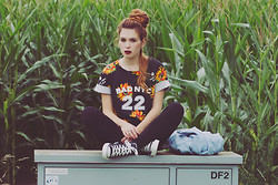 Silvy De Jong - Sheinside Tshirt, Converse Sneakers - All my dreams and all the lights mean nothing without you