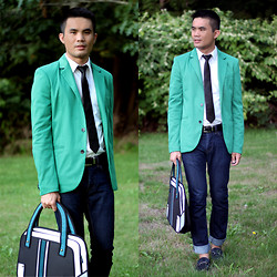Justin Leigh - Topman Shirt, Mexx Tie, Zara Blazer, Joe Fresh Jeans, Jump From Paper 'Disguise' Bag - Cartoon Story