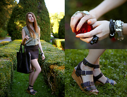 Paulina M - Topshop Sandals, Glitter Ring, H&M Shirt - Where the Wild Roses Grow