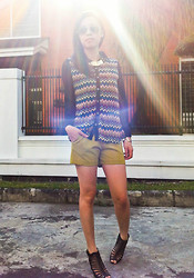 Agnes C - Rubi Aviator, Diva Gold Choker, Ethnic Print Blouse, Zara Mustard Shorts, Charles & Keith Heels - HIGHLIGHTED PRINTS