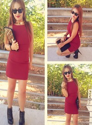 Maria Pasiali - Red Dress, Bershka Ipad Case Bag, Ray Ban Sunglasses, Bershka Gold Chain Necklace, Mara Black Ankle Boots, Bershka Gold Mid Finger Rings - Be a fashionista