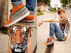 Adrian Kamiński - Vans Shoes, Breaking Rocks T Shirt - TIGER TEE & AZTEC VANS