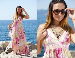 Olga L. - H&M Dress, House Of Mima Necklace - Goodbye summer