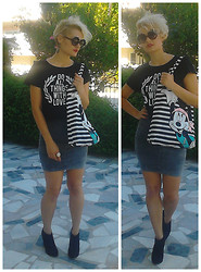 Olina Topsioti - Pull & Bear Cropped, H&M Striped Mini Mouse Bag, Round Glasses - Do all things with love