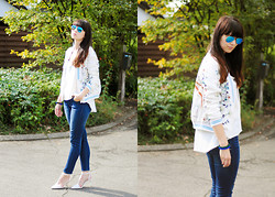 Insomnia Heartbreak - Zara Printed Bomber Jacket, Ray Ban Mirrored Aviator Sunglasses - White 'n Blue