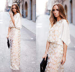 Lisa Olsson - By Malene Birger Dress, Frontrowshop Clutch - Safaran Dress